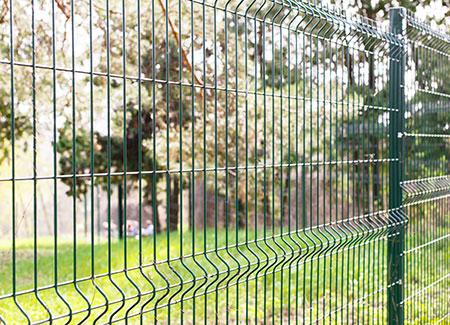 Pose de clôture et aménagements paysagers par Clôt'n Co près de Lens
